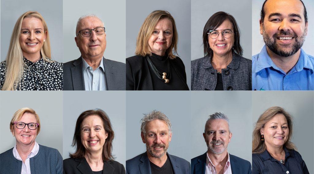 10 photos of board members